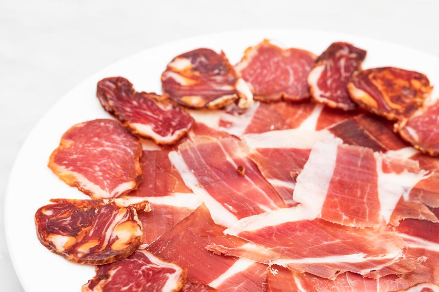 Platter with assorted Ibérico products